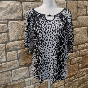 Notations Black/White Batwing Size XL